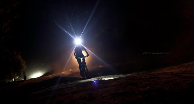 De noche en bicicleta