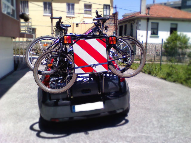 How to transport the bicycle in the car